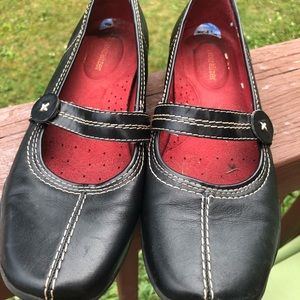 Loafers Naturalizer shoes black leather 7.5